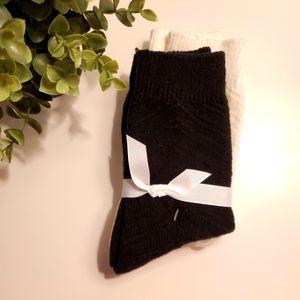 🌺 3/25 Socks, 2 pair, black, white, one size